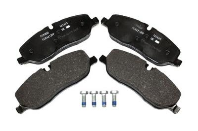Land Rover Bremsbelagsatz vorne D3 inkl. Schrauben und Klammern, ohne Federn