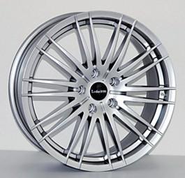 MAURIS hyper-silber oder black polish 8x19 ET45: Reifen Kumho 255/50R19